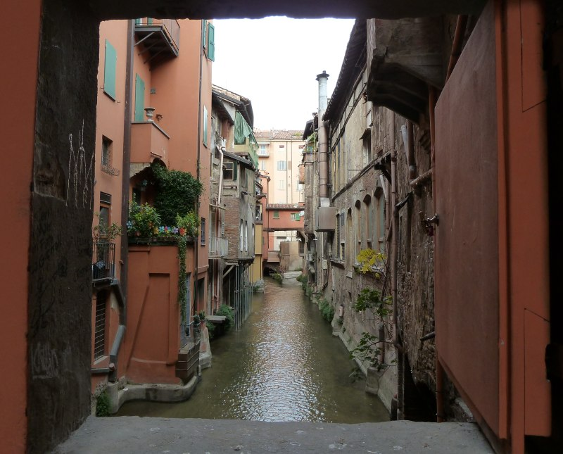Bologna foto di bologna - Bologna finestra sul canale ...