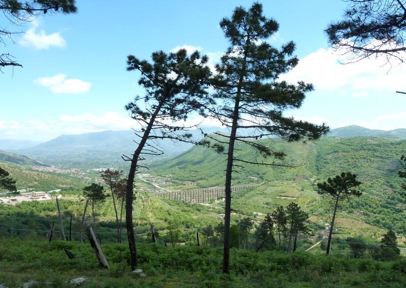 Veduta Acquedotto dal Santuario di Maddaloni