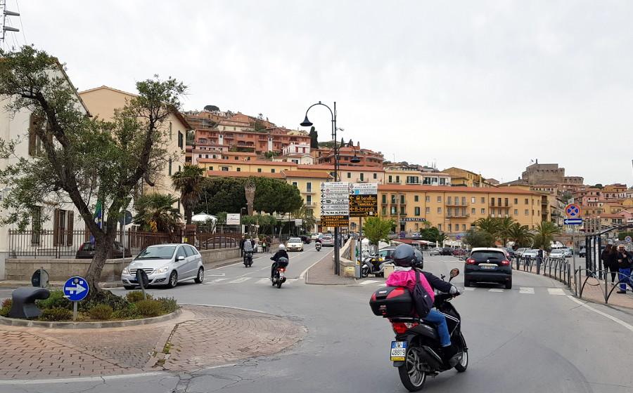 PortoSantoStefano/Porto santo Stefano via della Vittoria e Piazzale Candi