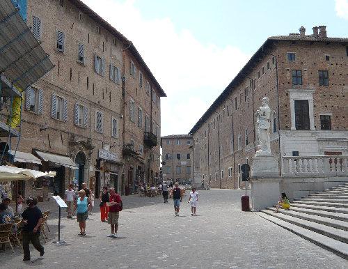 Piazza Rinascimento e Via Puccinotti