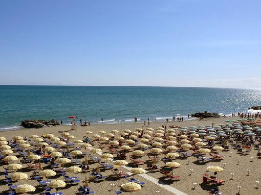 Matrimonio Spiaggia Misano Adriatico : Foto di porto verde frazione misano adriatico