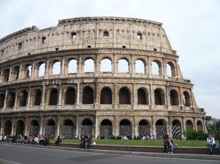 Foto del colosseo for Colosseo da colorare