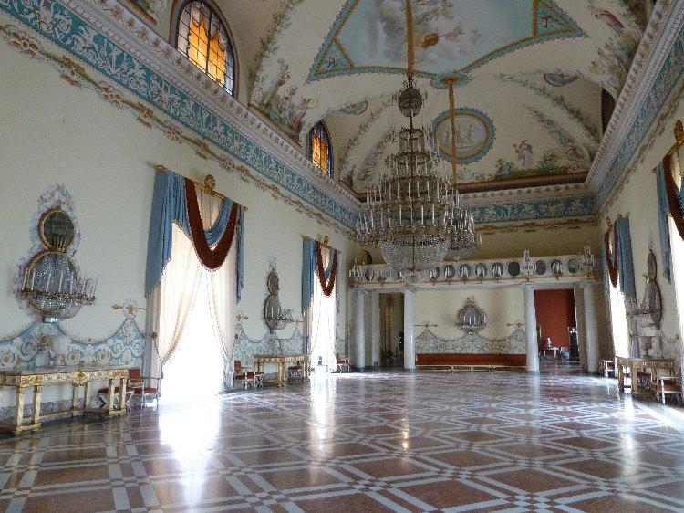 Musseo di capodimonte di napoli for Planimetrie del palazzo con sala da ballo
