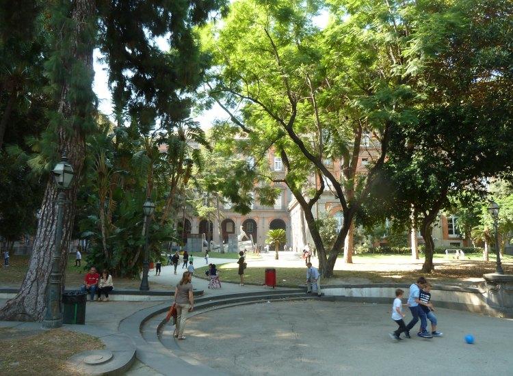 Palazzo reale di napoli - Giardini del re ...