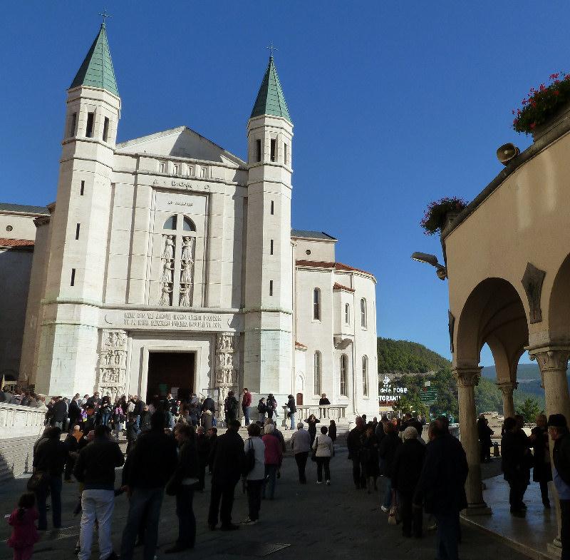 Cascia foto di cascia for Basilica di santa rita da cascia