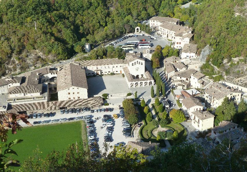 Roccaporena foto di roccaporena frazione di cascia for Volantino risparmio casa perugia